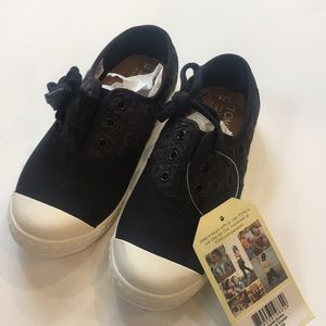 Toms sums sneakers kids size 13 brand new